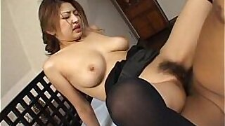 sexy video: Bigboobed Japanese babe does a facial