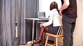 sexy video: Bitch Jazuri blowing her boss as he was on his way to his office