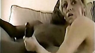 sexy video: This mature housewife enjoys that dick everywhere!