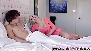 sexy video: Threesome caught on video with cute blonde