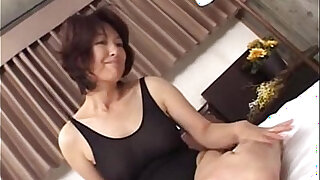 sexy video: Mature asian a lone mom making sex in swimming suit