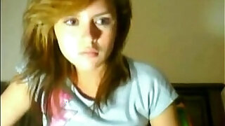 sexy video: 18 year old teen girl masturbates for web cam More