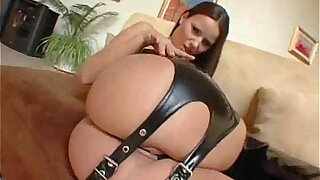 sexy video: Stunning girl in a sexy play