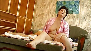 sexy video: Russian with young boy hiddencam