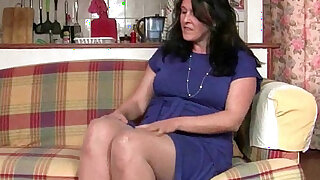 sexy video: British granny works her pantyhosed old pussy