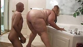 sexy video: Ambrosia Tear That Fat Ass Up