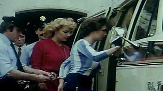 sexy video: Prisons Tres Speciales Pour Femme 1982 Olinka Hardiman