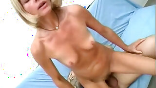 sexy video: Hardcore mature sucking fucking slut