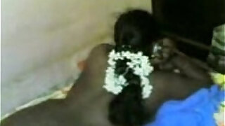 sexy video: Tamil Aunty first Show