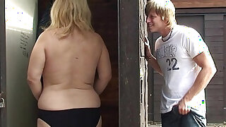 sexy video: Old grandma gets her pussy nailed in the changing room