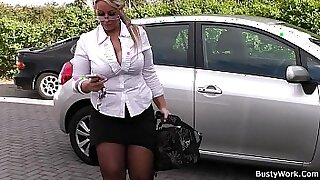 sexy video: Chubby Blonde Nympho Spreads Legs