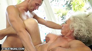 sexy video: Mature tenant being cockrided in various positions for low