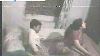 sexy video: Indian girl couple homemade sex caught on camera